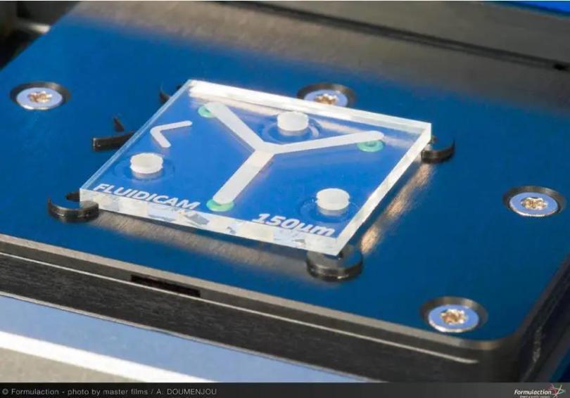 图2 微流控芯片.jpg
